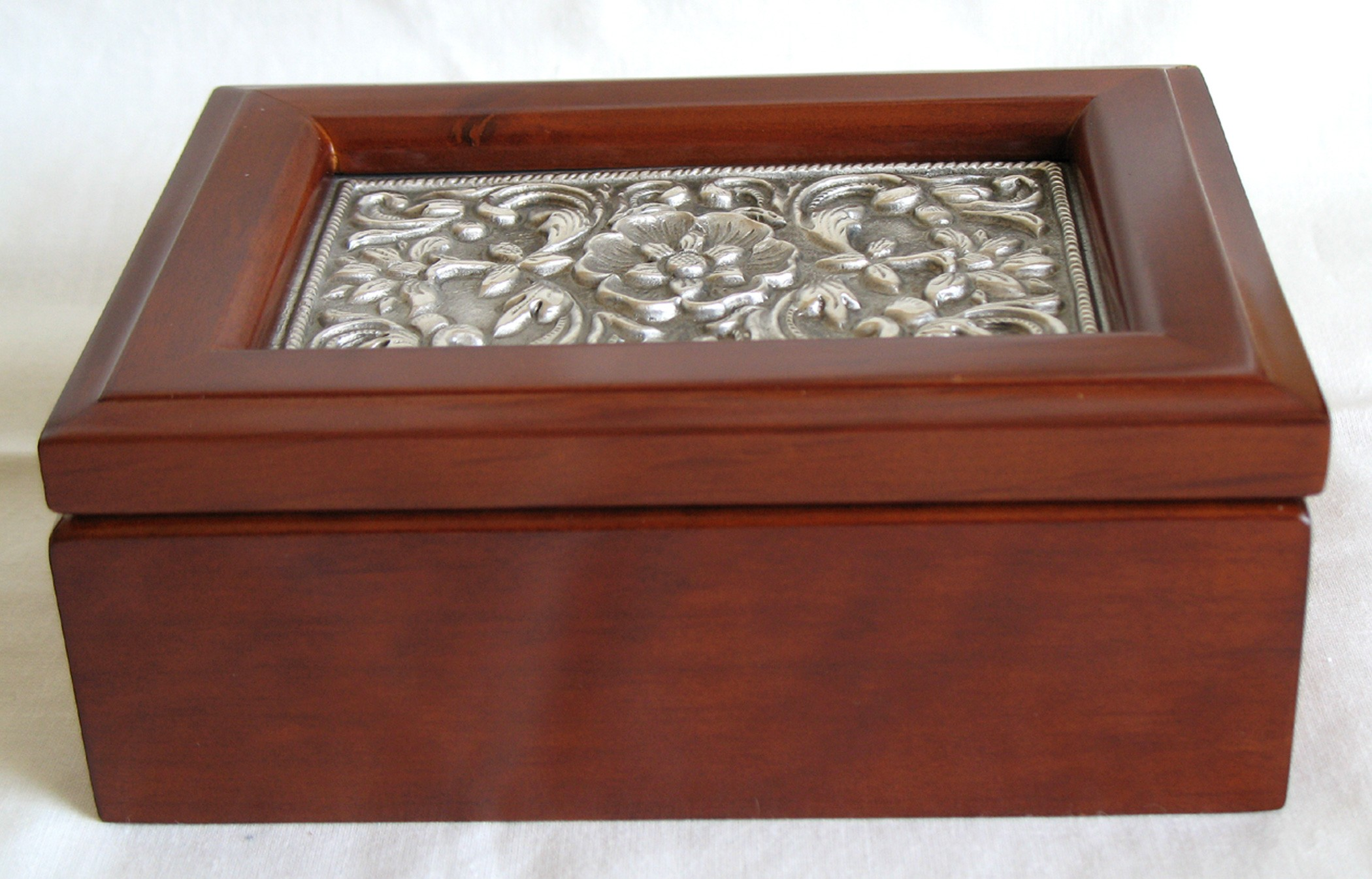 Your Jewelry Box Buying Guide