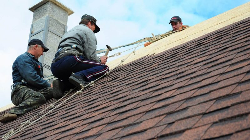 What Qualities Should a Roofing Contractor Have
