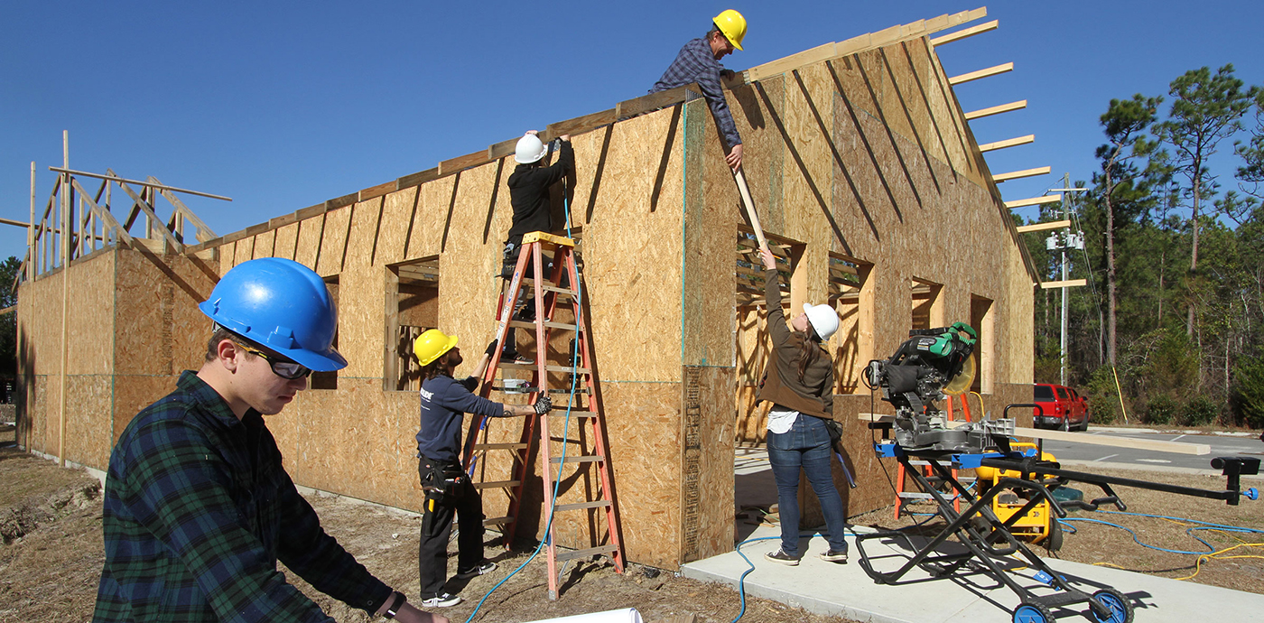 What Questions Should You Ask When Hiring a Carpentry Service