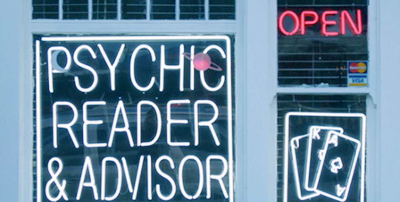 How a Psychic Can Help You Make The Right Decision