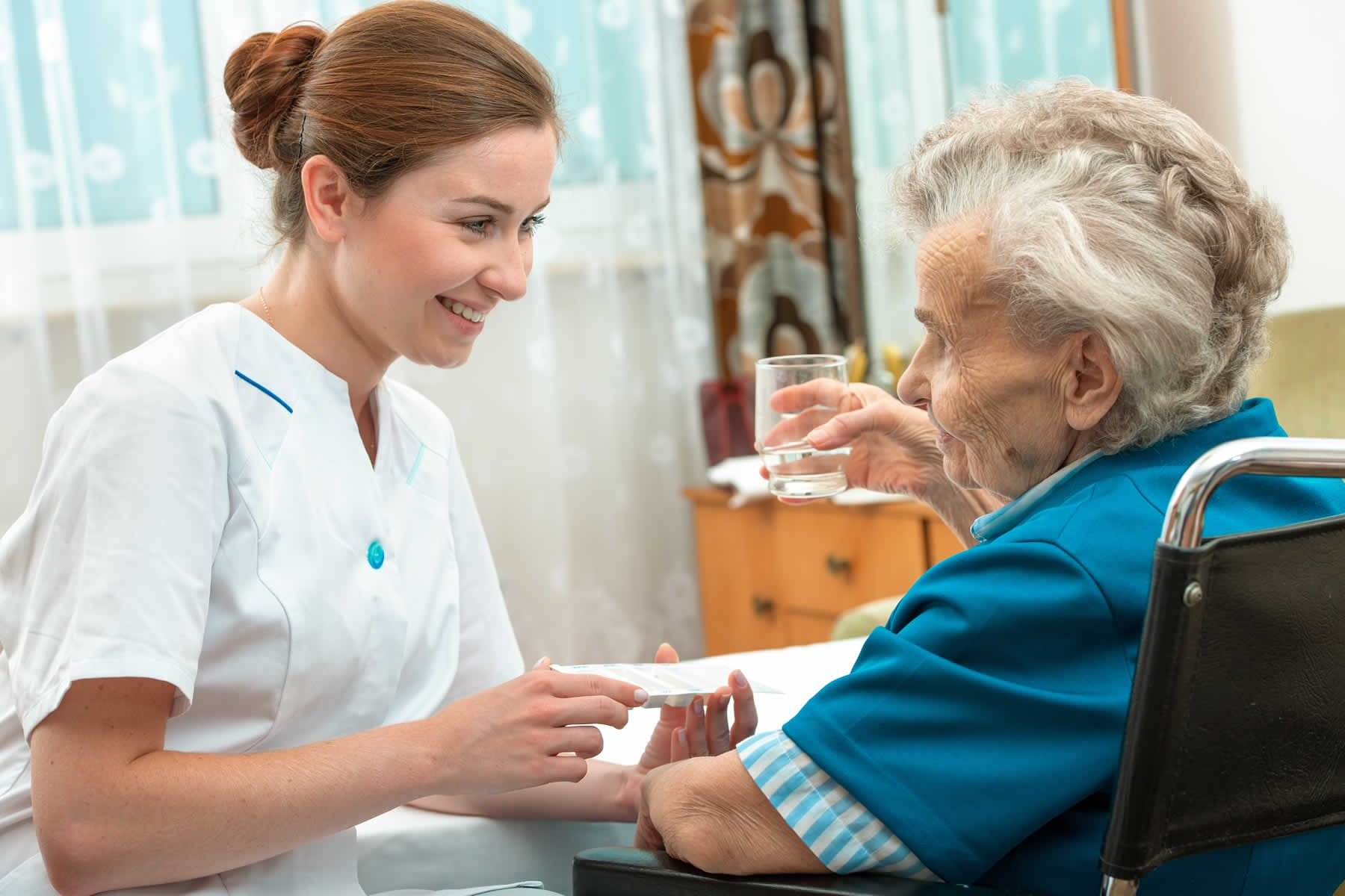 What to Consider When Choosing a Senior Home Care