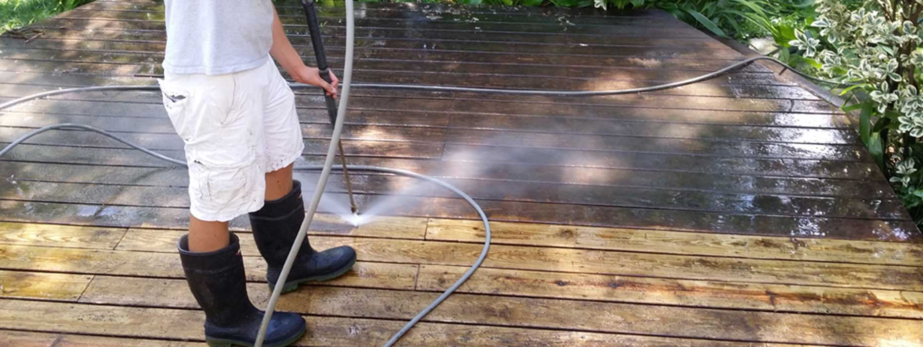 Why Its Important to Hire a Pro For Home Exterior Cleaning
