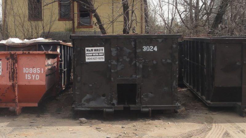 Conducting a Waste Audit Before Dumpster Rental